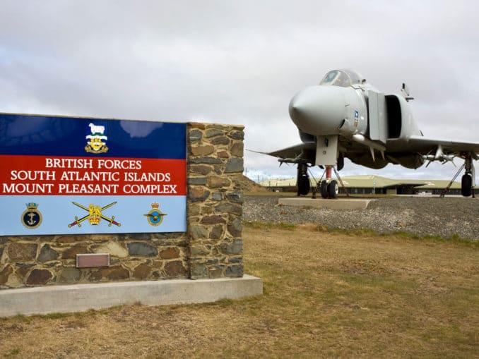 Jagdflugzeug, Mount Pleasant Airbase
