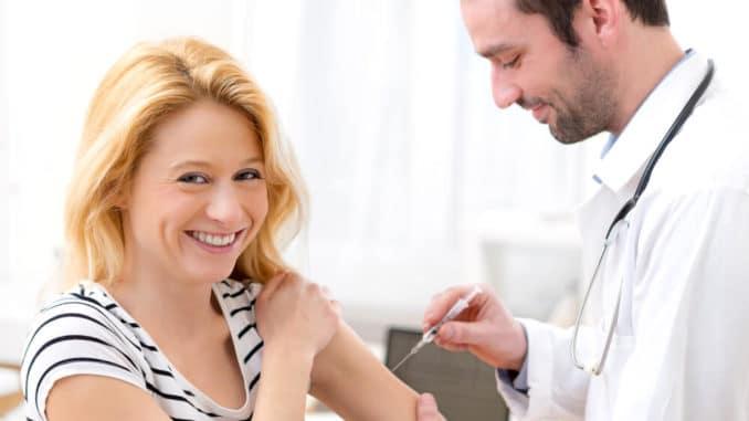 Impfung bei einer Frau