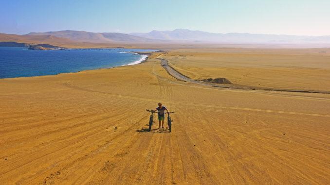 Fahrrad fahren im Nationalpark Paracas in Peru