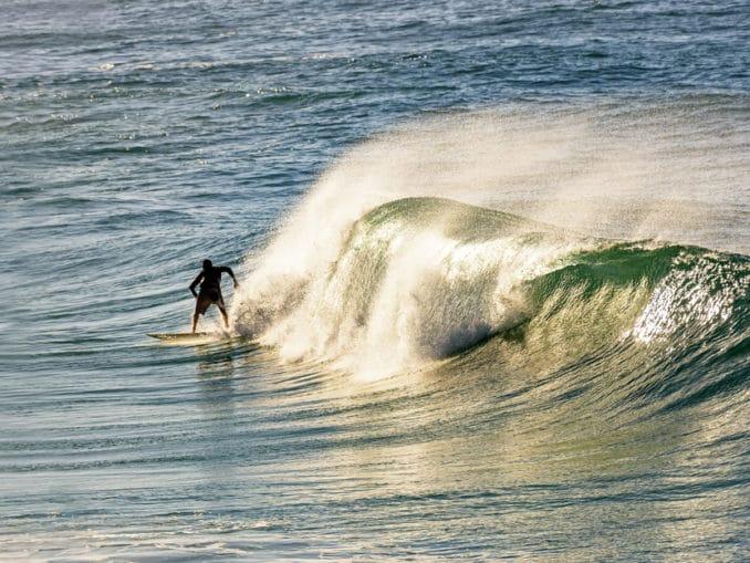 Surfer am Strand von Ipanema